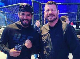 Бывшие 'заклятые' враги Майкл Биспинг и Хорхе Масвидаль пересеклись на турнире UFC Уругвай. Фото