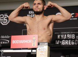 Хабиб успешно сделал вес перед боем с Порье на UFC 242