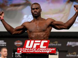 """Юрайа Холл считает, что Роберт Уиттакер не сможет выступить на UFC 243 из-за очередной """"травмы"""""""