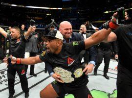 Президент UFC Дана Уайт подтвердил, что Даниэль Кормье проведет еще как минимум один бой: Мы собираемся устроить трилогию