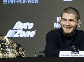 Стало известно сколько заработает Хабиб Нурмагомедов за бой с Порье на UFC 242