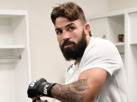 Майк Перри сразится с Робби Лоулером на UFC 245