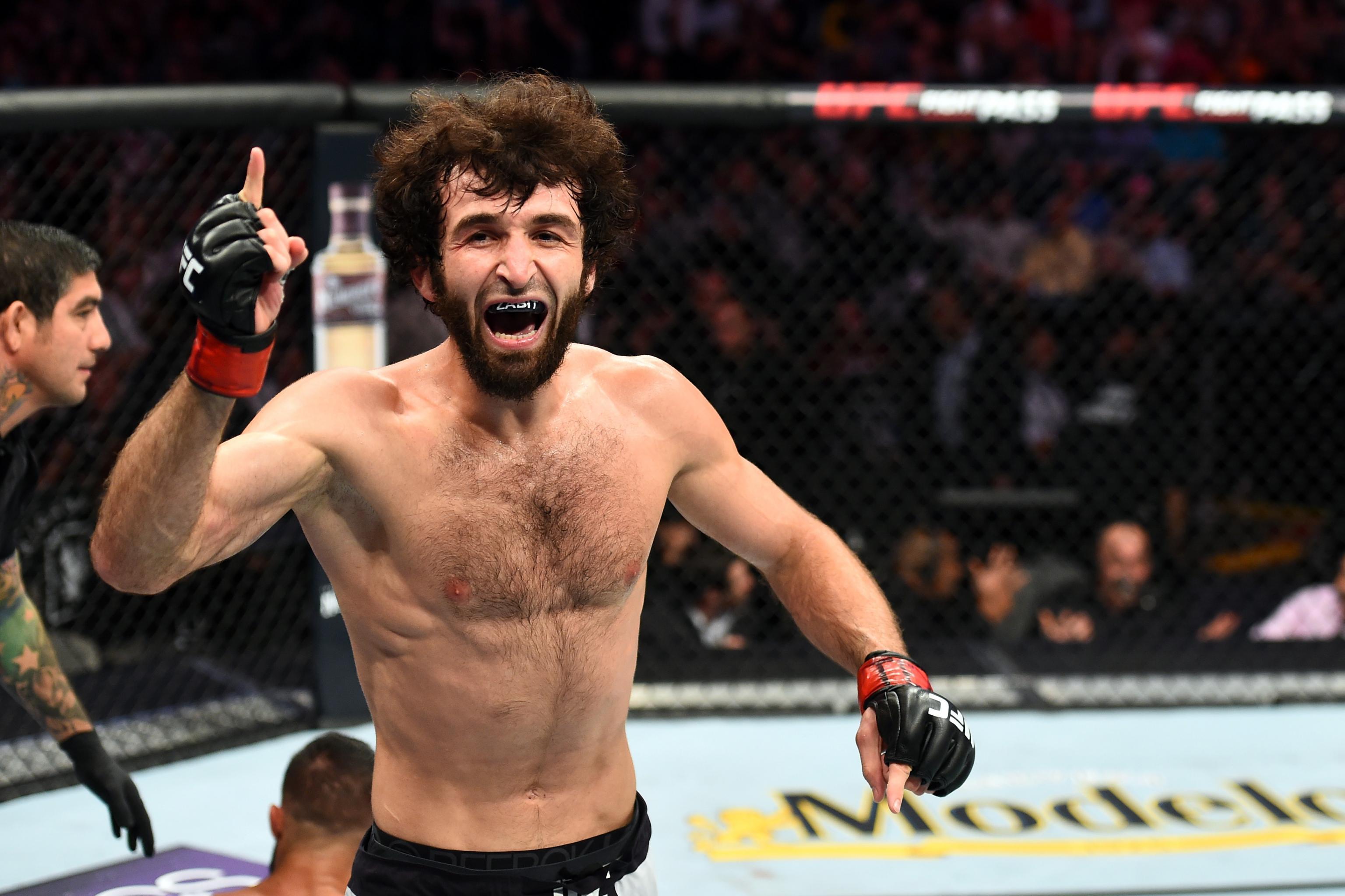 Магомедшарипов требует у UFC титульный бой