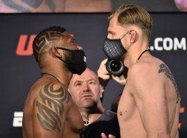 Стало известно, сколько заработал россиянин Волков за бой с Блейдсом в UFC