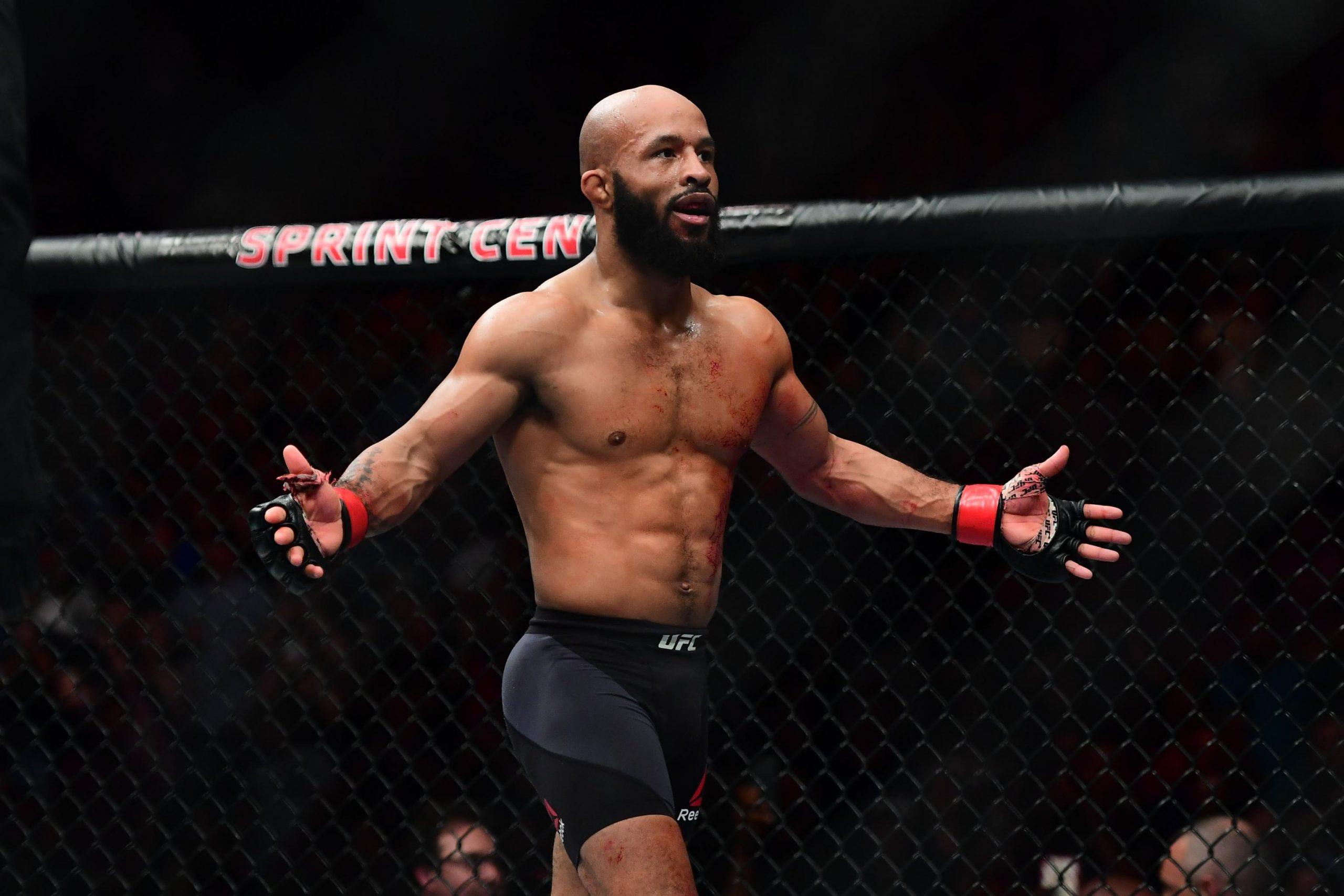 Диметриус Джонсон в октагоне UFC