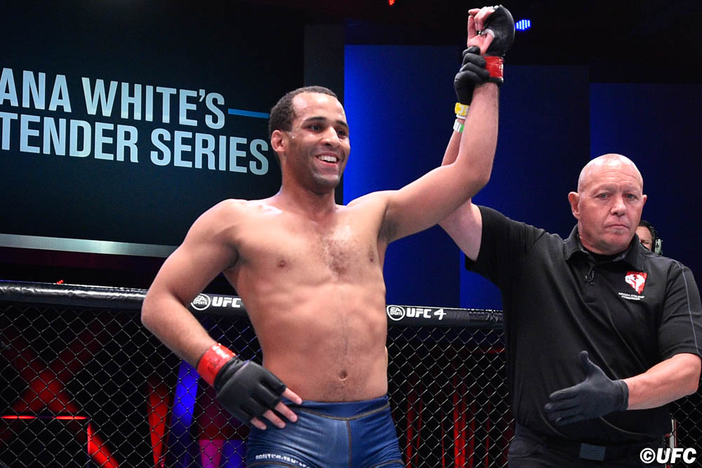 Результаты Dana White's Contender Series 27: Трое бойцов получили контракт с UFC