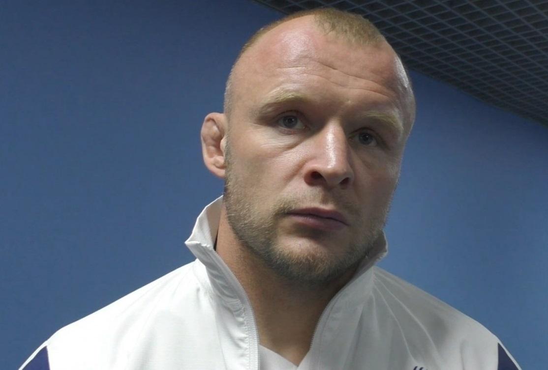 Шлеменко оценил шансы на победу Олейника в бою с Льюисом 2