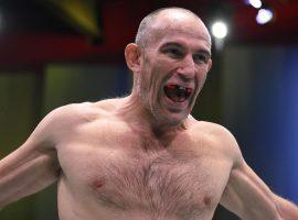 Алексей Олейник готов провести бой на голых кулаках