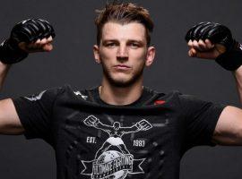 Боец MMA Дэн Хукер заинтересован в поединке с Майклом Чендлером