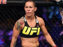 Сайборг раскритиковала слова Кормье: «UFC проплатил тебя»