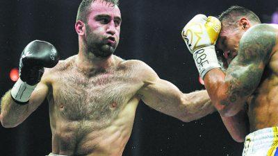 Мурат Гассиев в боксерском поединке