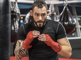 Сантьяго Понзиниббио и Ли Цзинлян сразятся 16 января на турнире UFC в Абу-Даби