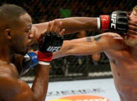 Стерлинг заявил, что бойцам UFC нужны новые перчатки