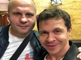 Актёр Павел Деревянко рассказал, как поражение Емельяненко от Бейдара повергло их в шок