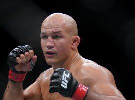 Джуниор Дос Сантос покинул UFC
