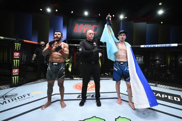 Вегас 27 Дамир Исмагулов (Казахстан) vs Рафаэл Алвес (Бразилия)