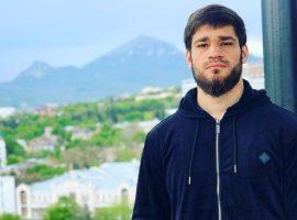 В СМИ появилась информация о том, что непобежденный российский боксер избил девушку