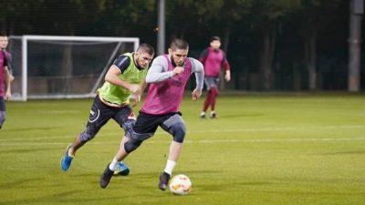 Хабиб Нурмагомедов играет в футбол